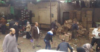 محافظة القاهرة تنشئ سورا لفصل باعة سوق الخميس عن مستشفى المطرية