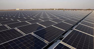 توقيع عقود لبناء 3 مشاريع طاقة شمسية فى مصر بتكلفة 190 مليون دولار -