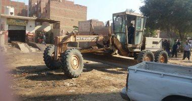 هيئة النظافة وحى الهرم يرفعان المخلفات والقمامة من شارع زغلول بكفر الجبل