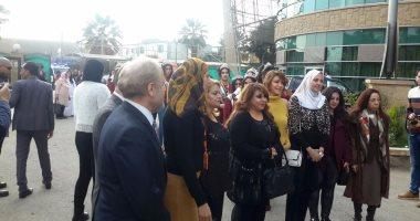 ملكات جمال العرب يزورون الأطفال مرضى السرطان