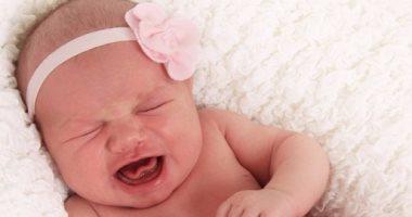 أسباب المغص عند الأطفال منها الإمساك وحساسية الطعام