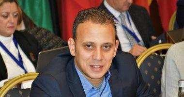 """""""شباب بتحب مصر"""" تقود 24 حملة نظافة فى 6 محافظات بمشاركة 1000شاب"""
