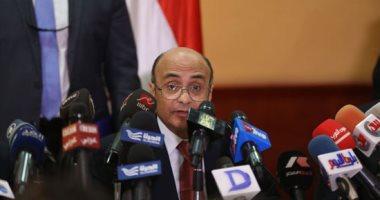 """عمر مروان يداعب مراسل """"رويترز"""": """"جاى يعرضلنا الكوارث والمشاكل بس"""""""
