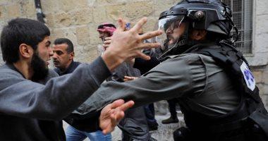 الاحتلال يحتجز فتاة قرب الحرم الإبراهيمى فى الخليل ويعتقل 3 آخرين بالقدس