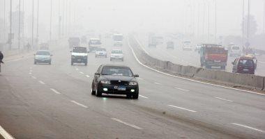 المرور ينشر تعليمات القيادة اﻵمنة منعا لحوادث الشبورة بالطرق الرابطة بين المحافظات