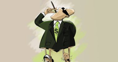 """الدولار """"المجنون"""" والمواطن """"المطحون"""".. بكاريكاتير ساخر لـ""""اليوم السابع"""""""