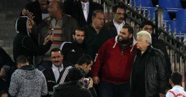 مرتضى منصور منفعلاً بعد مباراة المقاولون: ورحمة أمى يا نيبوشا لتمشى