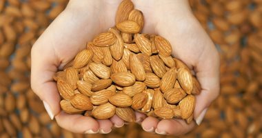 فوائد اللوز الحد من السكر وأمراض القلب