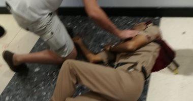 """فيديو.. لحظة القبض على منفذ حادث الطعن بمجمع """"سيتى سنتر"""" فى مسقط"""