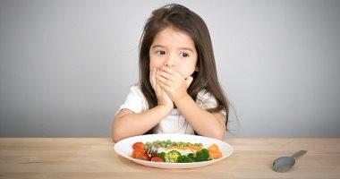 تناول الطعام المتنوع فى الحمل هيخلى طفلك مايغلبكيش فى الأكل