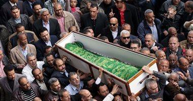 وصول جثمان إبراهيم نافع مقابر العائلة بـ6 أكتوبر -