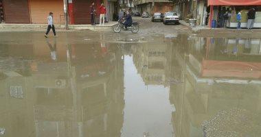 زحام مرورى بسبب كسر ماسورة مياه أمام مدينة الرحاب