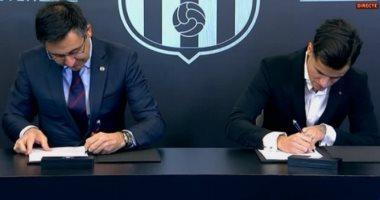 """كوتينيو يوقع على عقود انتقاله رسمياً إلى برشلونة """"صور"""""""