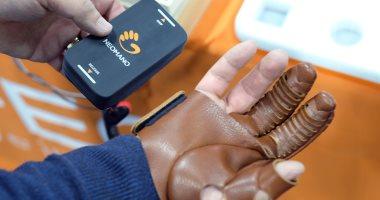 شركة كورية تكشف عن قفاز ذكى يساعد مرضى الشلل على تحريك يدهم