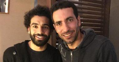 أبو تريكة ينشر صورة تجمعه بأفضل لاعب فى أفريقيا 2017 -