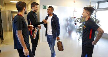 صور.. شاهد ماذا فعل كوتينيو فى اليوم الأول مع برشلونة
