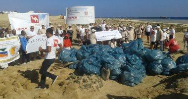 """""""البيئة"""" تنظم حملة نظافة تحت شعار البحر الأحمر خالى من البلاستيك.. صور"""
