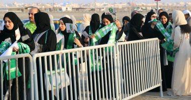 صور.. مشجعات يحضرن مباريات كرة قدم للمرة الأولى فى السعودية