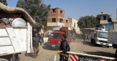 صور.. إخلاء 30 أسرة من عزبة حرب ببولاق الدكرور تمهيدا لإزالة المنطقة