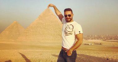 إيوان يغادر القاهرة بعد رحلة سياحية فى الأقصر