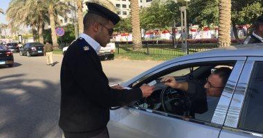 صور.. ضبط 2865 مخالفة كلبش وسحب 326 رخصة وحجز 14 توك توك فى حملة بالقاهرة