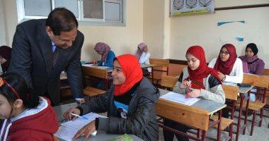 صور .. محافظ الغربية يتفقد لجان امتحانات الشهادة الإعدادية