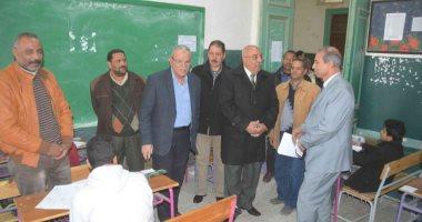 صور.. محافظ المنيا يتفقد لجان امتحانات الشهادة الاعدادية