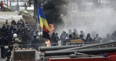 صور.. اشتباكات عنيفة بين أنصار رئيس جورجيا السابق والشرطة الأوكرانية