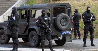 وفاة وإصابة 4 مهاجرين داخل شاحنة بضائع شمال صربيا
