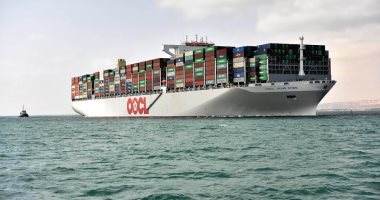 مهاب مميش : عبور  48 سفينة قناة السويس بحمولة 3.8 مليون طن -