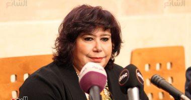وزيرة الثقافة تنعى أحمد خالد توفيق صاحب يوتوبيا