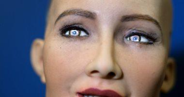 الروبوت صوفيا تقتحم عالم الأزياء والموضة.. تعرف على التفاصيل