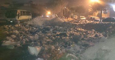 صور.. القمامة تزعج سكان مساكن الشروق بمدينة نصر.. ومطالب بإزالتها