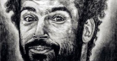 """""""إسلام فهمى"""" طالب يبدع فى رسم مشاهير الفن والرياضة بالقلم الرصاص"""