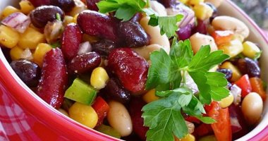 Learn how to prepare a healthy salad that benefits your body