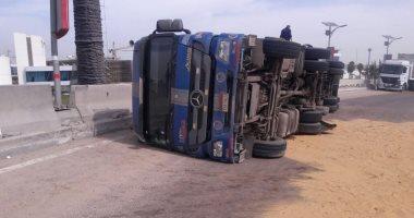 وفاة شخصين وإصابة 6 في حادث إنقلاب سيارة بالشرقية