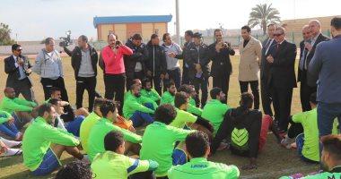 محافظ كفر الشيح شقة ووظيفة لكل لاعب بالفريق مكافأة التأهل للممتاز