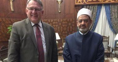 شيخ الأزهر يلتقى مدير المعهد السويدى فى الإسكندرية لبحث سبل التعاون
