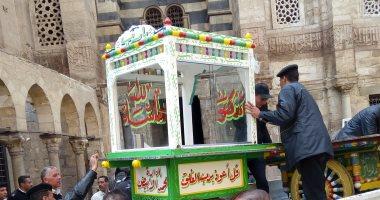 صور.. ضبط 24 بائعا متجولا وتنفيذ 501 قرار إزالة إشغالات فى حملات بالقاهرة -
