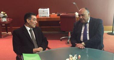 وزير الخارجية يسلم المجلس الدولى للزيتون وثيقة انضمام مصر للمنظمة