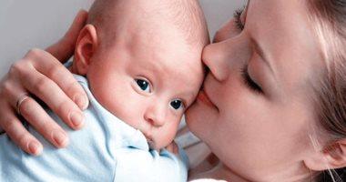 """حتى لا يصاب بـ""""متلازمة هز الرضيع"""".. اعرفى الطريقة الصح لتهدئة """" البيبى"""""""