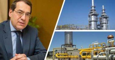 وزير البترول و محطات إسالة   - أرشيفية