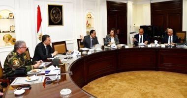 وزير الإسكان يترأس اجتماعاً لمتابعة مشروع تطوير محور المحمودية بالإسكندرية