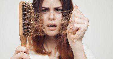 استخدم الطب البديل وعالج تساقط الشعر بالروزمارى وزيت السمك