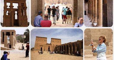 الأجانب يتفوقون على المصريين فى زيارة المعابد الأثرية بأسوان بالعيد