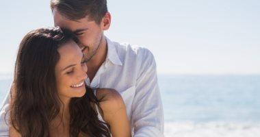 الحضن بيعمل المعجزات.. 5 فوائد للعناق أهمها السعادة وتخفيف الآلام