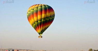 الأقصر تشهد تحليق 10 رحلات بالون طائر تقل 140 سائحا من جنسيات مختلفة
