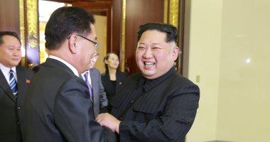 بهجة وروح منفتحة أثناء لقاء زعيم كوريا الشمالية بوفد الجنوبية لتخفيف التوتر