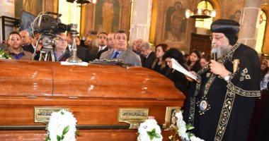 البابا تواضروس يترأس قداس الجنازة  على الأنبا فام أسقف طما