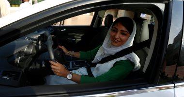 إقبال كبير من نساء السعودية على مراكز تعليم القيادة فى جدة
